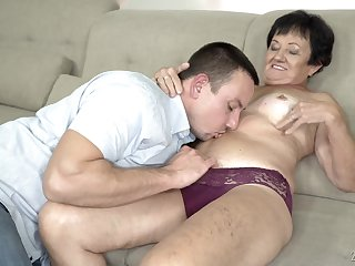 Adult short haired granny Hettie gets her mouth filled with cum