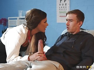 Filamentous MILF doctor Tina Kay rides her patient be required of a cumshot