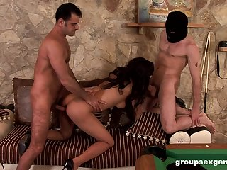 Latina babe merciless fucked connected with a wild set up play