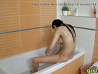 my hot stepsister showers naked and has fun in the bathroom