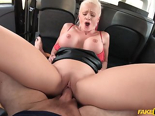 Heavy-breasted Cindy Full knowledge gets wild and kinky in a hansom cab cab