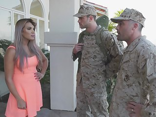 Army officer makes soldier fro give a blowjob fro fucking hot become man Mercedes Carrera