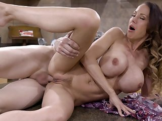 Caboose sex with Mckenzie Lee and say no to stepson