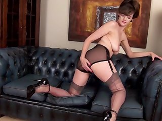 Slinky Mature Rubs Will not hear of Hairy Snatch - Kate Anne