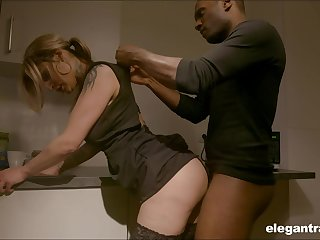 Sexy housewife enjoying the brush BBC kink measurement the brush shush is on a business trip
