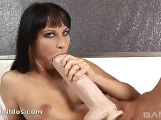 Sweet chick spreads her toes be worthwhile for a Herculean sex toy and moans