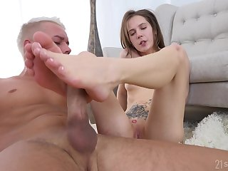 Stasia Si's sexy trotters covered in cum after a burning boning