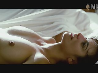 Gorgeous Penelope Cruz flaunting her natural bosom in the hottest scenes